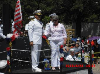 Battle of Flowers Parade 2010, Rear Admiral Albert Garcia III and spouse
